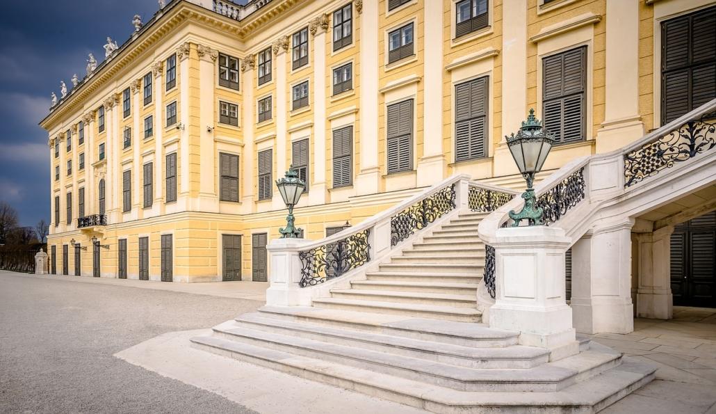 schoenbrunn_treppenaufgang_ansicht